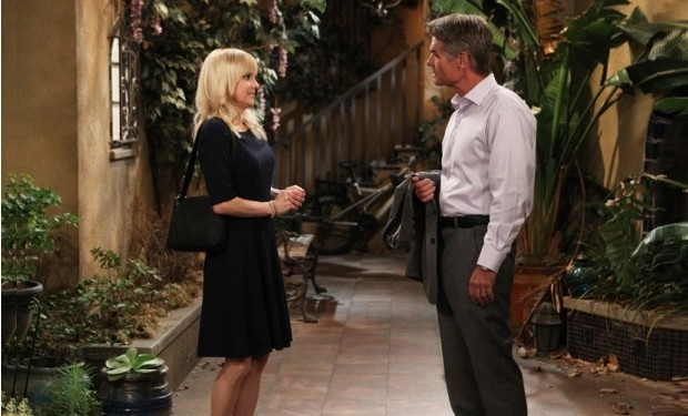 Mom, Anna Faris, Harry Hamlin, CBS