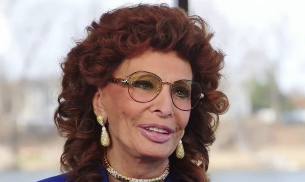 If You See Sophia Loren, Tell Her She's Beautiful
