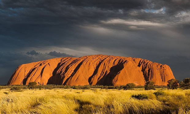 Uluṟu_(Ayers_Rock),_Sunset