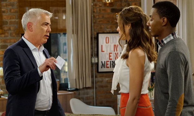 Adam Arkin on The Carmichael Show