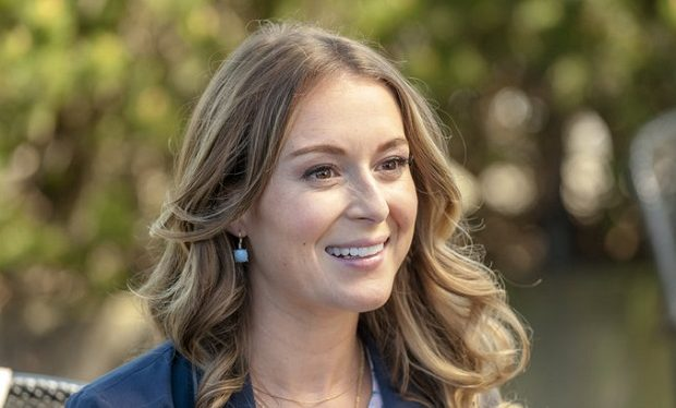 Alexa PenaVega, Ms Matched, Hallmark, crown medai