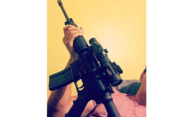 Victor with AR15 @elfitvic