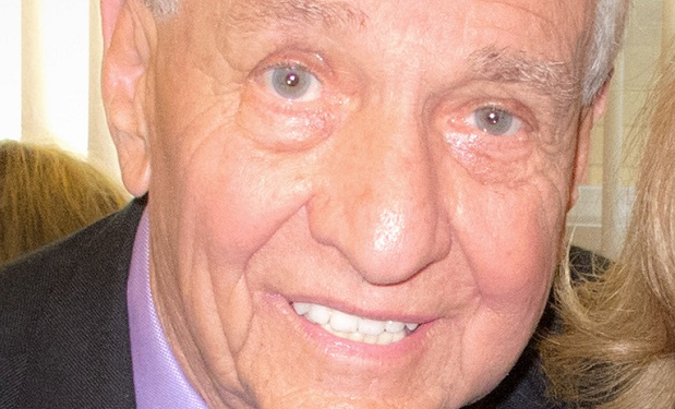 Garry_Marshall By Louise Palanker [CC BY-SA 2.0 (http://creativecommons.org/licenses/by-sa/2.0)], via Wikimedia Commons