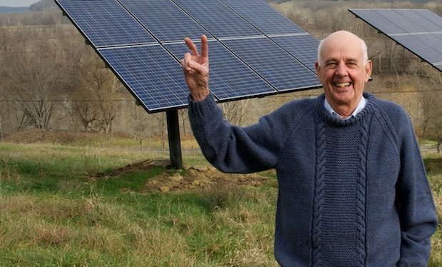 Wendell_Berry,_Henry_County,_KY,_2011_-_photograph_by_Guy_Mendes