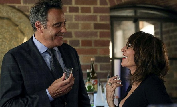 (l-r) Brad Garrett as Wes Manning, Katey Sagal as Lanie -- (Photo by: Vivian Zink/NBC)