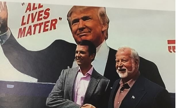 donald_j-_trump_jr-_with_supporter