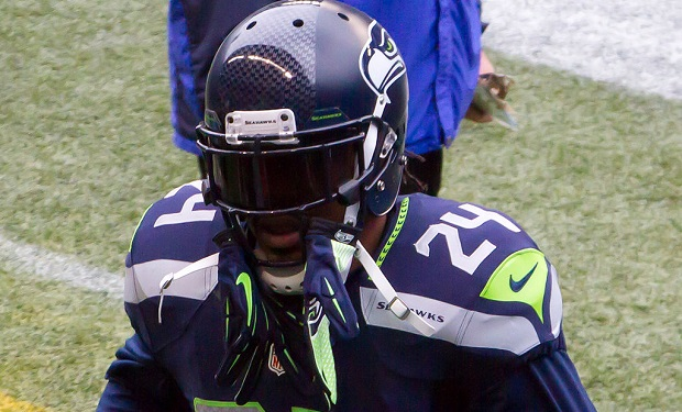 marshawn_lynch By Mike Morris (Flickr) [CC BY-SA 2.0], via Wikimedia Commons