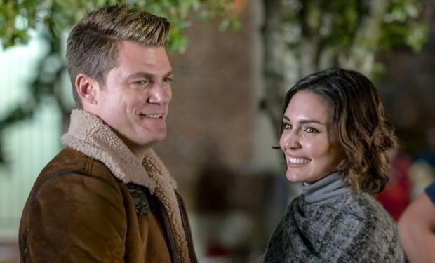 Jeff branson, Taylor Cole, Christmas-in-homestead, Hallmark