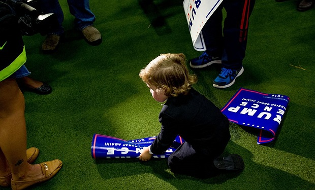 donald_trump_rally little boy