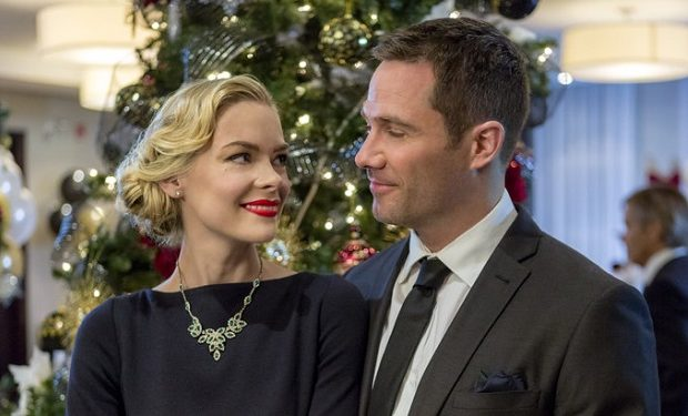 Jaime King, Luke Macfarlane, The Mistletoe Promise, Hallmark, Crown Media