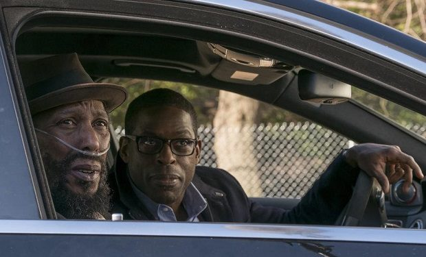 (l-r) Ron Cephas Jones as William, Sterling K. Brown as Randall -- (Photo by: Ron Batzdorff/NBC)