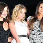 Lucy_Hale,_Ashley_Benson,_Shay_Mitchell_at_the_38th_People's_Choice_Award_(2)