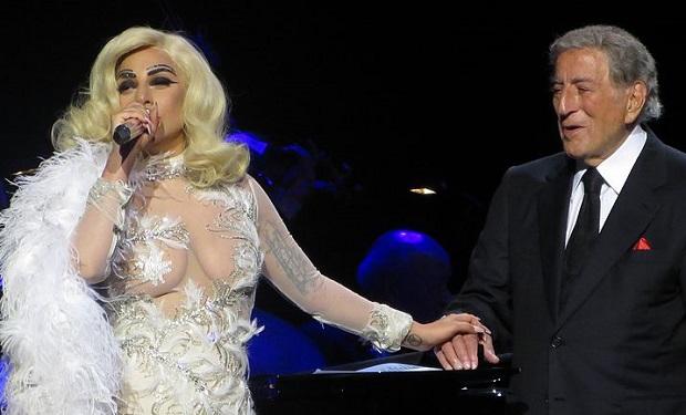 Tony_Bennett_&_Lady_GaGa,_Cheek_to_Cheek_Tour_10