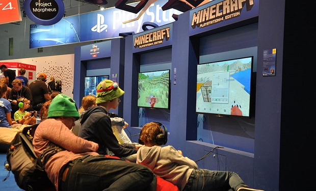 Minecraft_@_Gamescom_2014_(14951724561)
