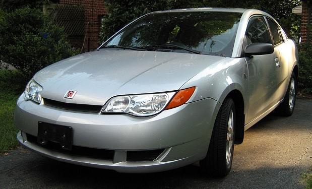 Saturn_ION_silver_4-door_coupe_lf