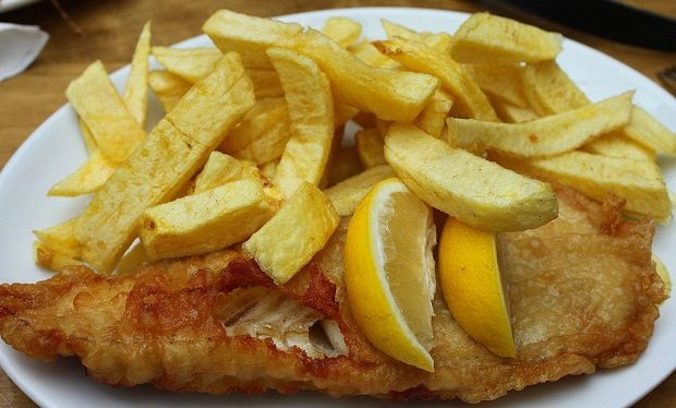 Fish and Chips (photo by Benreis CC BY 3.0], via Wikimedia Commons)