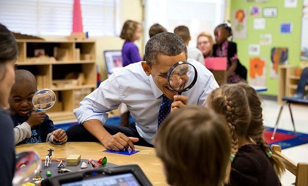 Barack_Obama_through_a_magnifying_glass