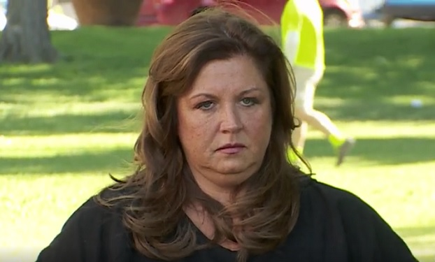 Dance Moms 39 Abby Lee Miller Freaking Out Selling Aldc