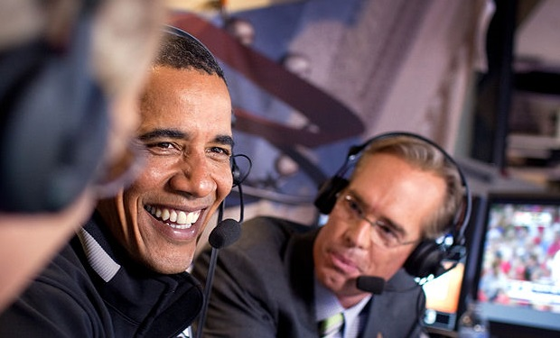 Joe Buck talking with President Obama