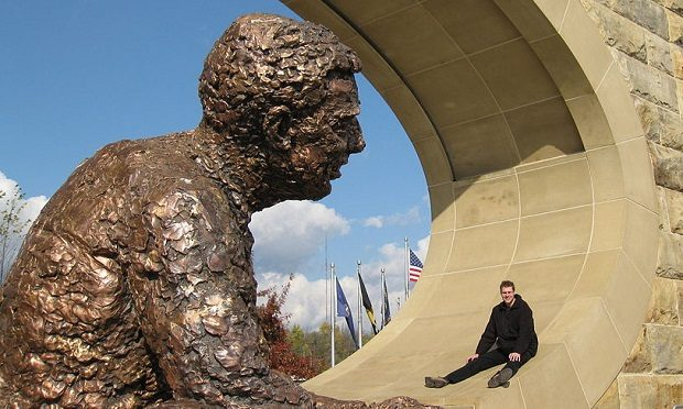 front_of_fred_rogers_monument_pittsburgh