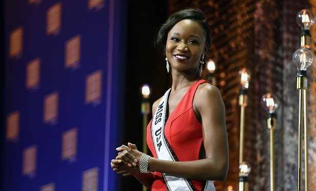 Miss USA 2016, Army Lt. Deshauna Barber at the 2016 USO Gala, Washington, D.C., Oct. 20, 2016. (U.S. Army National Guard photo by Sgt. 1st Class Jim Greenhill)
