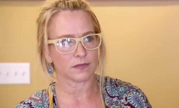 undercover-boss Renee Maloney Painting with a Twist CBS