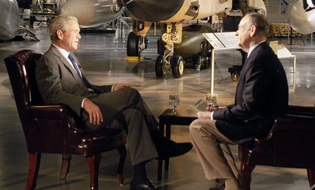 Bill_O'Reilly_interviews_former_President_George_W._Bush,_November_2010_(cropped)
