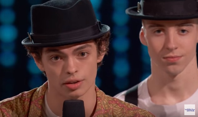 Ian Eastwood Gives Michael Jackson Vibes To Jlo On World