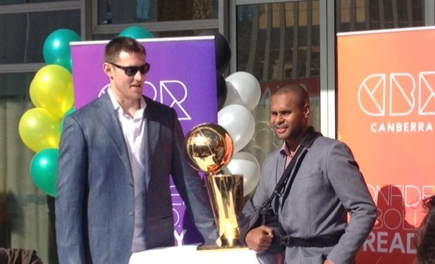 Aron_Baynes_and_Patty_Mills