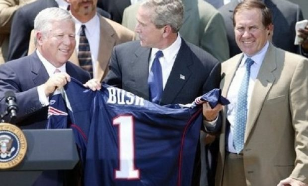 Bob_Kraft-George_Bush-Bill_Belichick