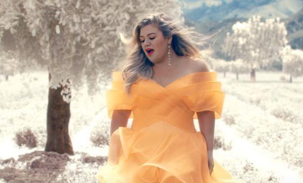 Kelly Clarkson Love So Soft video