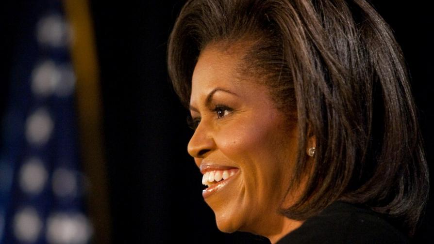 written speech by michelle obama In writing her beautiful speech, melania's team of writers took notes on her life's inspirations, and in some instances included fragments that melania trump, donald trump's wife, has been accused of plagiarizing part of first lady michelle obama's 2008 dnc speech after similarities were uncovered.
