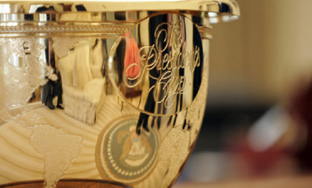 The_Presidents_Cup_golf_trophy