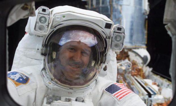 Grunsfeld Hubble NASA photo