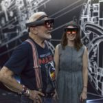Apollo_11_astronaut_Buzz_Aldrin_and_Erisa_Hines_try_out_Microsoft_HoloLens