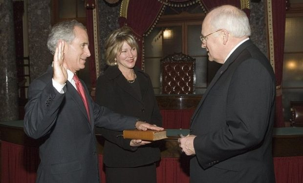Bob_Corker_sworn_in
