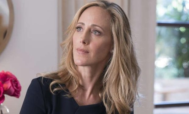 Kim Raver as Dr. Bergstein in RAY DONOVAN (Season 5, Episode 10). - Photo: Michael Desmond/SHOWTIME