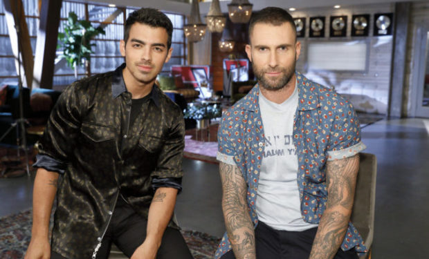 Jonas, Levine The Voice