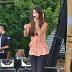 Selena_Gomez before her transplant performing on TV