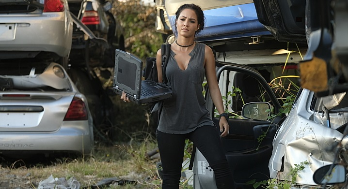 Who is riley davis sexy computer hacker on macgyver for Reely hooked fish dip