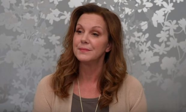 Elizabeth Perkins o n Curb Your Enthusiasm on HBO