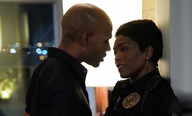 9-1-1 Angela Bassett Todd Williams