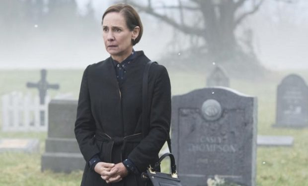 : Laurie Metcalf as Mary McGowan -- Photo: Dean Buscher/The CW