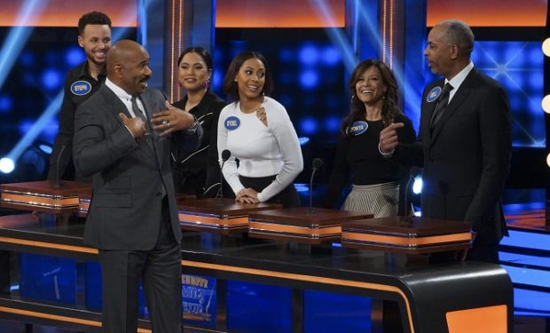 STEPHEN CURRY, STEVE HARVEY, AYESHA CURRY, SYDEL CURRY, SONYA CURRY, WARDELL CURRY