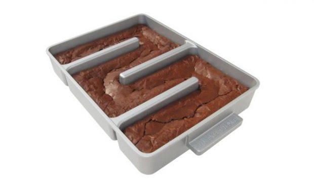 Bakers Edge Brownie Pan on Amazon