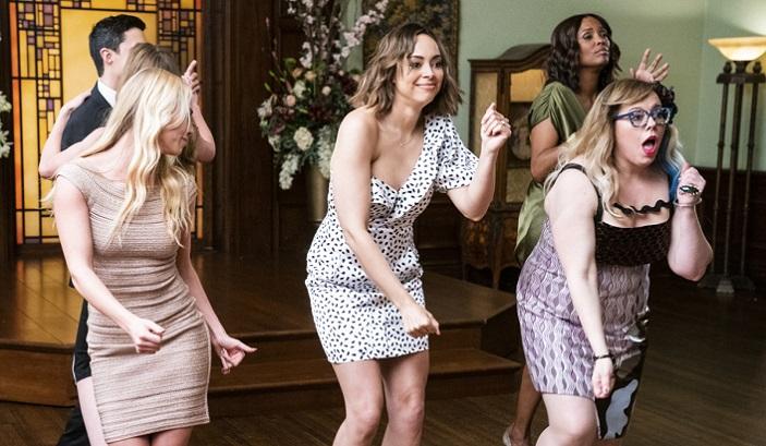 Kirsten Vangsness Wedding Photos.Criminal Minds Rossi S Daughter Joy Wears Sexy Mini Dress To Wedding