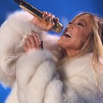 Jennifer_Lopez_performing