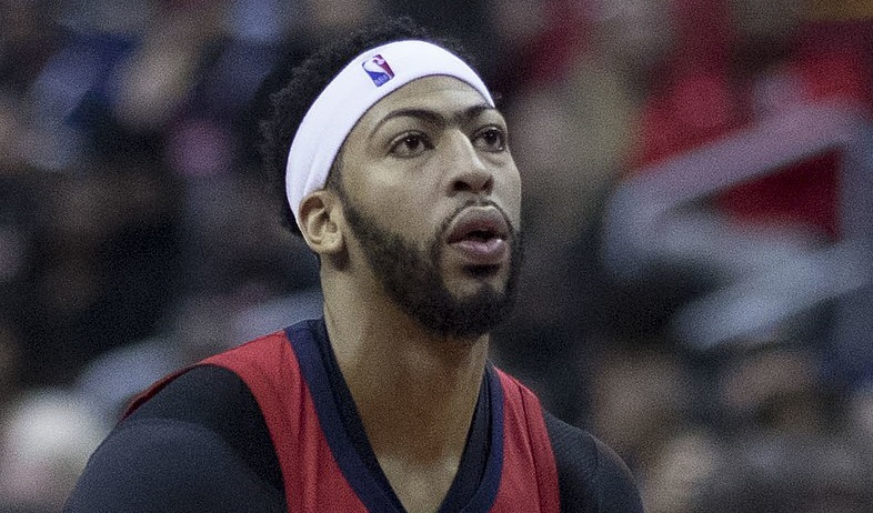Lakers Anthony Davis Ignored Agent's Call Of Lifetime