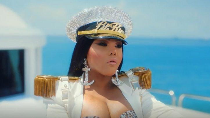 Lil' Kim Goes Braless In Diesel Drip with Drag Queens