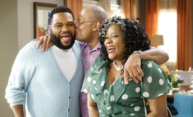 "BLACK-ISH - ""Pops the Question"" - Summer was a season of change for the Johnsons. The twins are headed into eighth grade, and Junior is out on his own managing social media for Migos. Meanwhile, Pops reveals that he is getting married on the season premiere of ""black-ish,"" airing TUESDAY, SEPT. 24 (9:30-10:00 p.m. EDT), on ABC. (ABC/Kelsey McNeal) ANTHONY ANDERSON, LAURENCE FISHBURNE, LORETTA DEVINE"